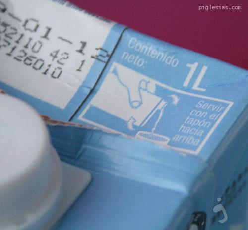 El tetrabrick de leche carrefour hay que servirlo al revés, porque si no, salpica.